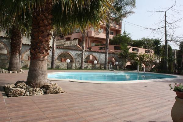 piscina all'aperto